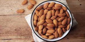 قیمت روز انواع بادام در بازار ایران